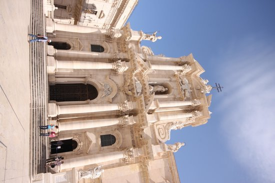 Aretusa Vacanze : The Cathedral - a must to visit