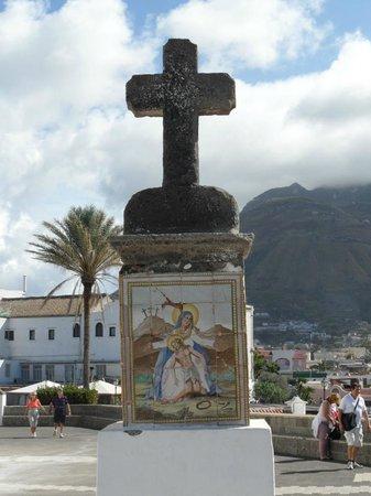 Chiesa del Soccorso: Croce esterna