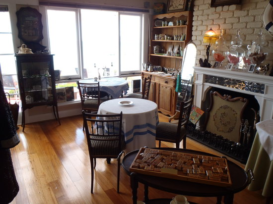 Felicity's Vintage & Tea Room: indoor seating and goods to browse