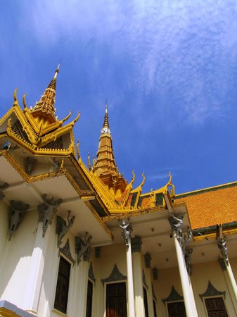 Silberpagode: Amazing roof line