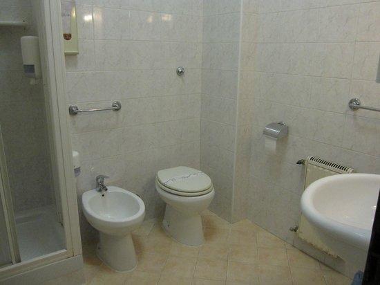 Villa Benedetta: バスルーム
