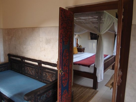 Alam Shanti: View to bedroom