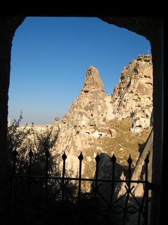 Hermes Cave Hotel: pencereden kale
