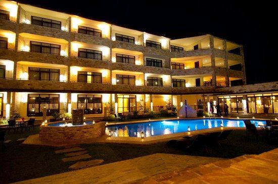 Roca Golf Hotel : Pool Area
