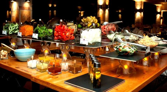 Roca Golf Hotel : Buffet Theme Night