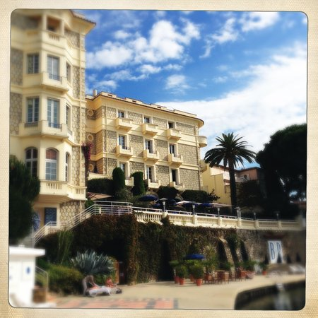 Hotel Belles Rives : from the pier