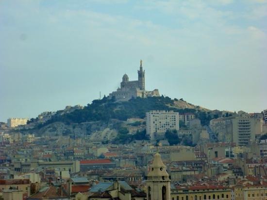 Mercure Marseille Centre Vieux Port : vue de la chambre