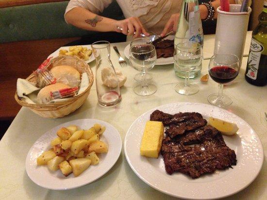 Trattoria Ai Vivai : Straecca cavallo con patate al forno! Ottima!