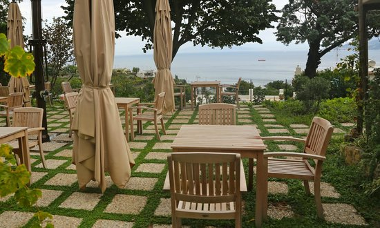 Capri Wine Hotel: The breakfast area