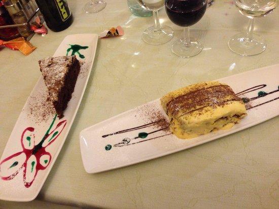 Trattoria Ai Vivai : Dessert spettacolari e ottimi! Tutto fatto in casa! Tiramisu e torta pere cioccolato