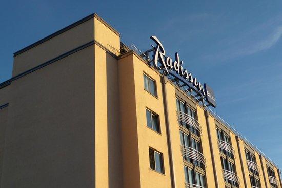 Radisson Blu Waterfront Hotel, Jersey: Hotel & grounds