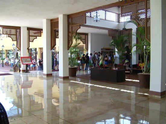 Occidental Grand Punta Cana: cola para ir a desayunar
