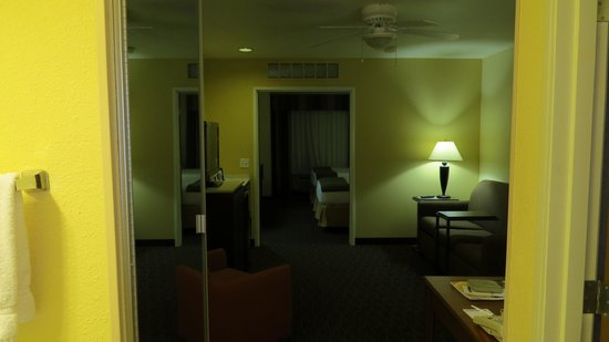 Holiday Inn Express Hotel and Suites Scottsdale - Old Town : Room entry