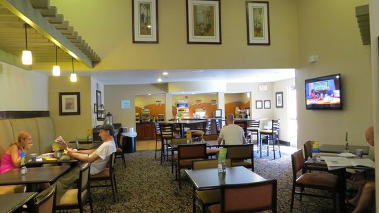 Holiday Inn Express Hotel and Suites Scottsdale - Old Town: Breakfast area