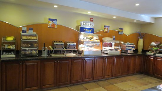 Holiday Inn Express Hotel and Suites Scottsdale - Old Town: Breakfast