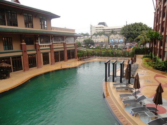 Novotel Phuket Vintage Park: бассейн