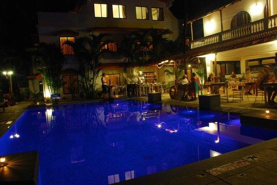 Casablanca: Pool
