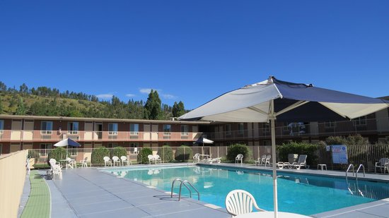 Days Inn Flagstaff - West Route 66 : swimming pool
