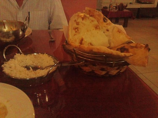 Jayanta Indian Restaurant: large fluffy naan bread - enough for 4..