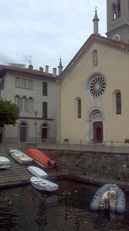 Albergo Ristorante Vapore: Hotel Vapore from harbor