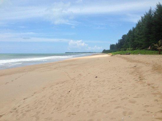Khaolak Orchid Beach Resort: Amazing Beach