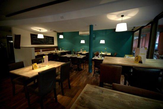 Simple Bar Kitchen Restaurant