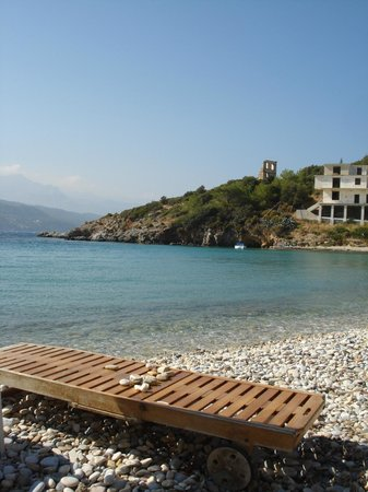 Samos Bay Gagou Beach Hotel: view from the beach in front of hotel