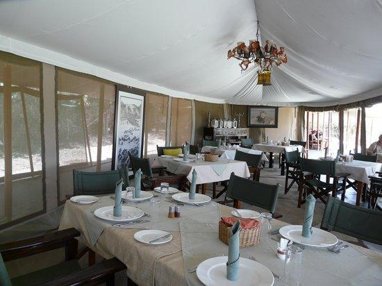 Entim Camp: Restaurantzelt