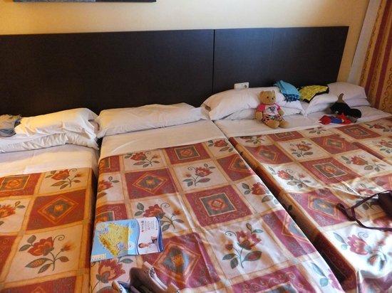 Hotel Marina Torrenova: Average room for 4