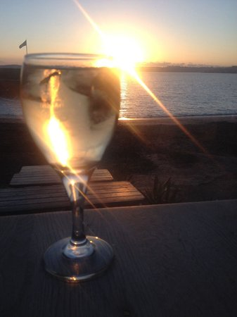 Sam's On The Beach : Sunset view from our window seat during a fab early evening meal!