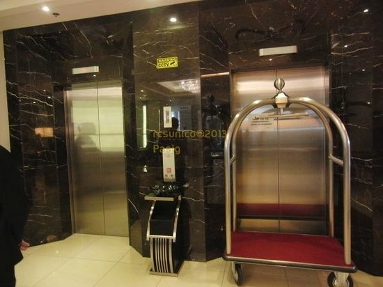 Hotel Elevator Picture Of Ace Hotel Amp Suites Pasig