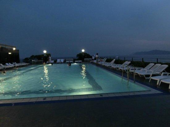 Paradise Hotel Busan: la piscine