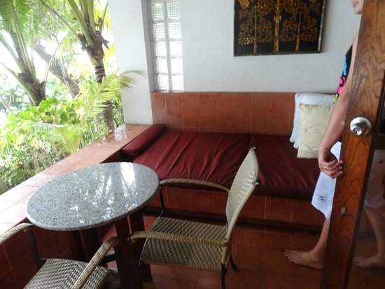 Mom Tri's Villa Royale: Beach Wing Suite outdoor area