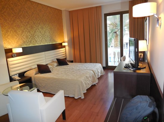 Hotel Monte Puertatierra: Camera