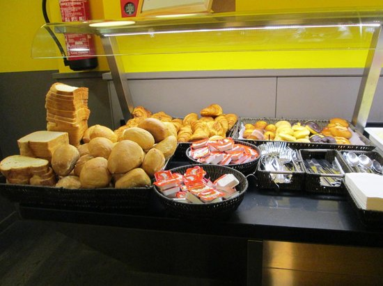 Moderno Hotel Bcn: Breakfast buffet