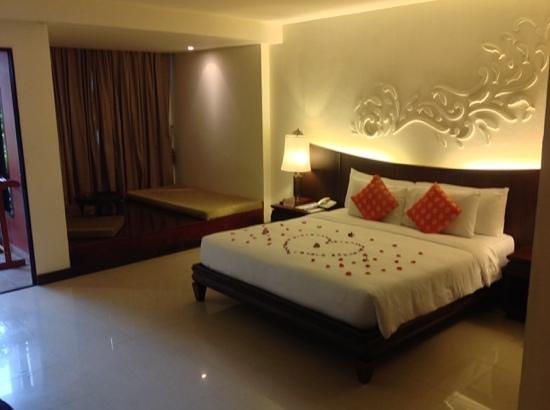 Patong Paragon Resort & Spa : the room