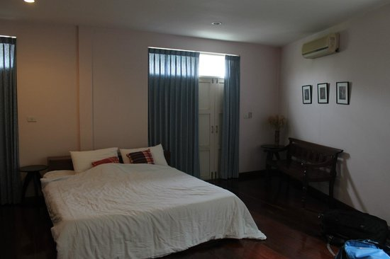 Baan Manusarn: View of the room with aircondition