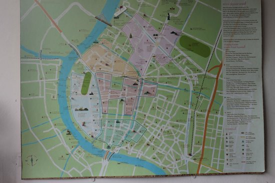 Baan Manusarn: Map with Hotel situated at the upper end near the bridge.