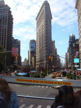 New York City Walking Tours by NYCVP : Zona del Madison Square Garden, callle 22th, entre la 5th y Broadway