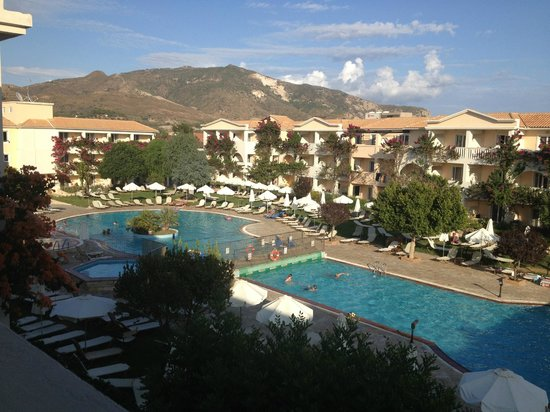 Bitzaro Grande Hotel Zante Website