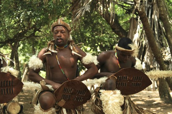 Gooderson DumaZulu Lodge and Traditional Zulu Village: village tour