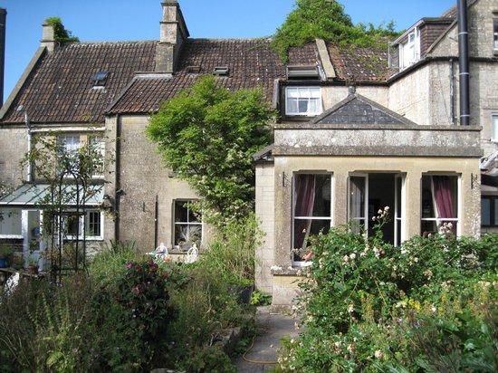 The Manor House Monkton Combe Bath: Rückseite mit Garten