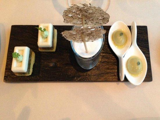OLIVO - Gourmetrestaurant: Gruss aus der Küche