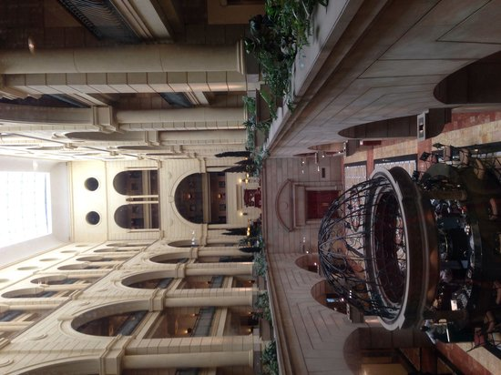 Michelangelo Hotel: View of lobby from elevators