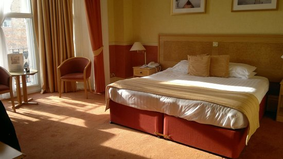 Best Western Royal Beach Hotel: Lovely Sunny Room with a view