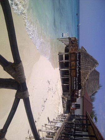 Amaan Bungalows: Beach and Sunset Grill and Bar