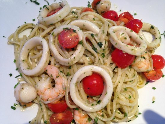 La Matta : Spaghetti Marinara (calamars, crevettes, tomates)