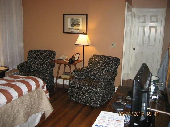 Landmark Inn: Sitting area