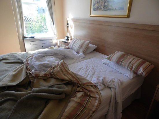 Parliament Hotel : Bed