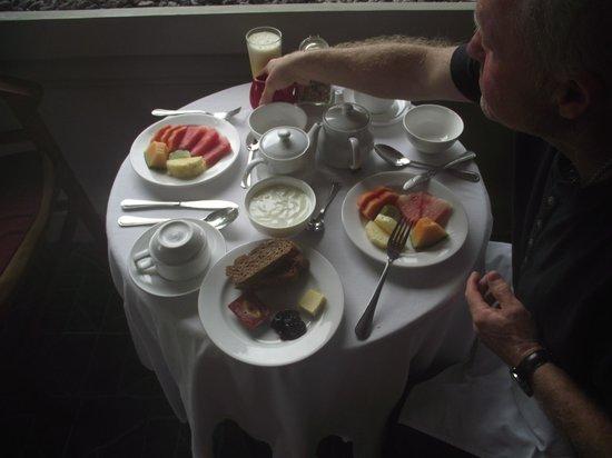 ONEWORLD retreats Kumara: Breakfast